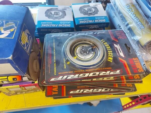 4#6138 Ricambi e accessori per moto Ferodo e Yamaha in vendita - foto 216