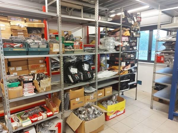 4#6138 Ricambi e accessori per moto Ferodo e Yamaha in vendita - foto 277