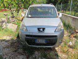 Automobile Peugeot Partner - Lotto 1 (Asta 6142)