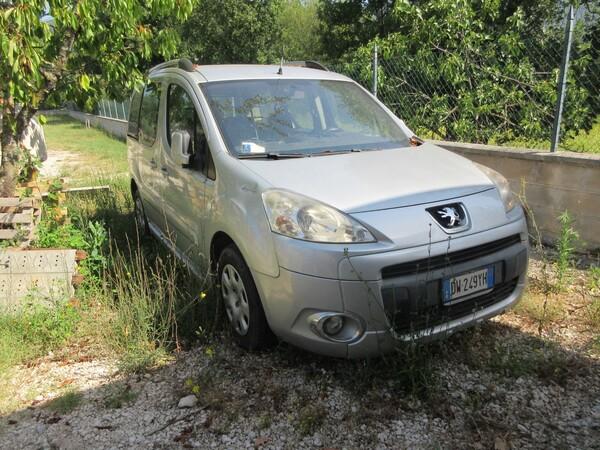 1#6142 Automobile Peugeot Partner in vendita - foto 2