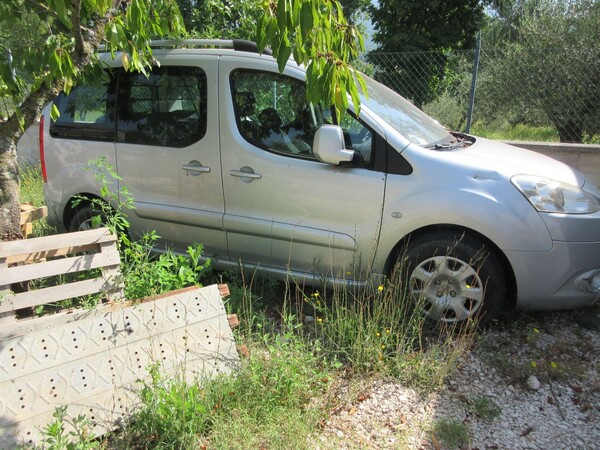 1#6142 Automobile Peugeot Partner in vendita - foto 7