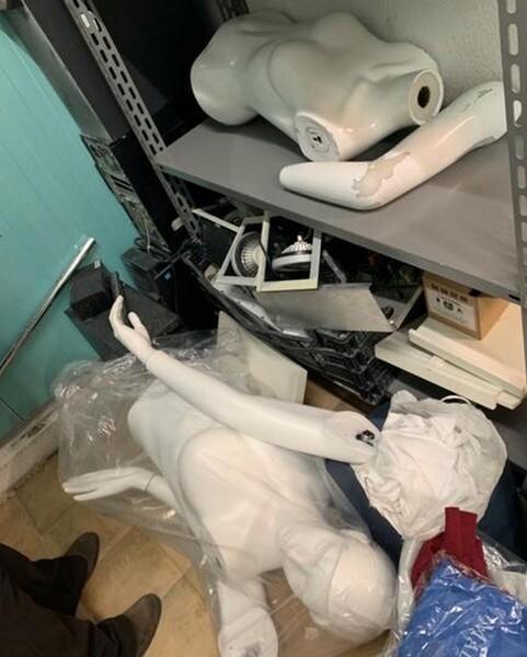 9#6145 Arredi ed attrezzature da negozio di abbigliamento in vendita - foto 4