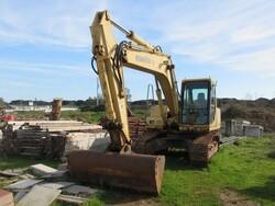 Komatsu PC200 excavator - Lot 11 (Auction 6166)