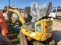 Komatsu PC16 mini excavator - Lot 13 (Auction 6166)