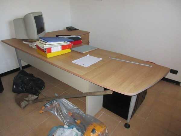 16#6166 Arredi e attrezzature da ufficio in vendita - foto 1