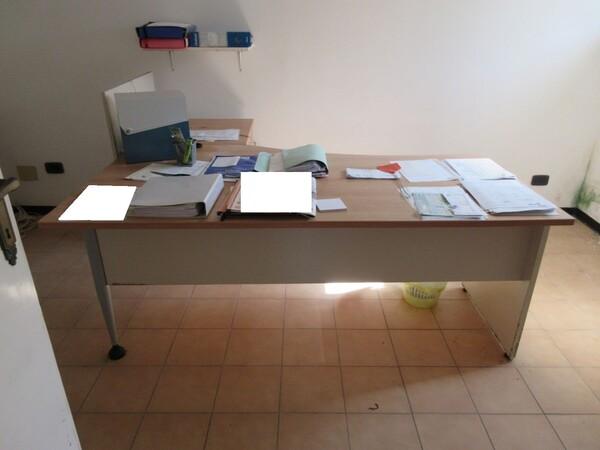 16#6166 Arredi e attrezzature da ufficio in vendita - foto 2