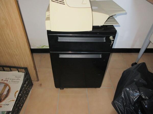 16#6166 Arredi e attrezzature da ufficio in vendita - foto 9