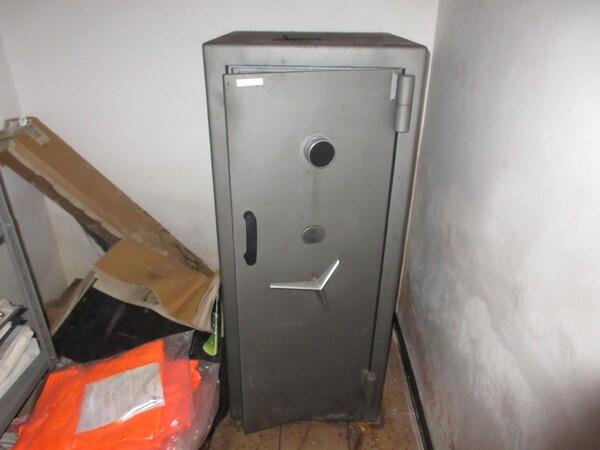 16#6166 Arredi e attrezzature da ufficio in vendita - foto 33