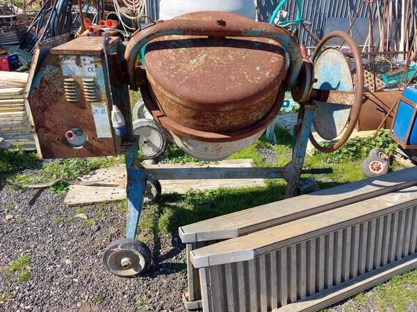 17#6166 Trapano Hilti e attrezzature edili in vendita - foto 9