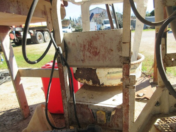 17#6166 Trapano Hilti e attrezzature edili in vendita - foto 121
