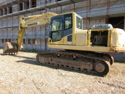 Komatsu PC210 excavator - Lot 9 (Auction 6166)