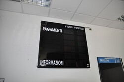 Ticket booking system and office furniture - Lote 3 (Subasta 6172)