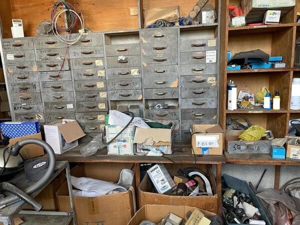 10#6196 Attrezzatura da officina e pressa per rifiuti in vendita - foto 14