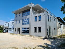 Azienda specializzata in carpenteria media e immobile