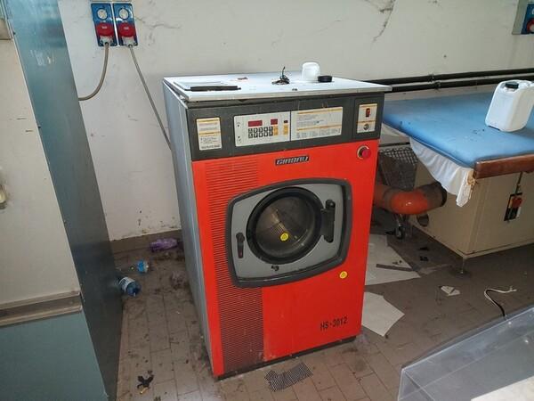 2#6201 Macchinari tessili e arredamento ufficio in vendita - foto 43