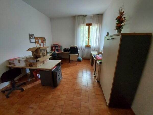 2#6201 Macchinari tessili e arredamento ufficio in vendita - foto 72