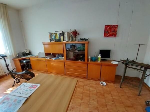 2#6201 Macchinari tessili e arredamento ufficio in vendita - foto 82