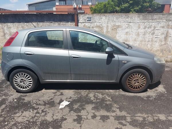 10#6208 Autovettura Fiat Punto in vendita - foto 3