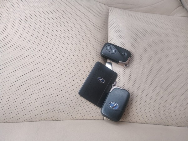 1#6210 Automobile Lexus in vendita - foto 2