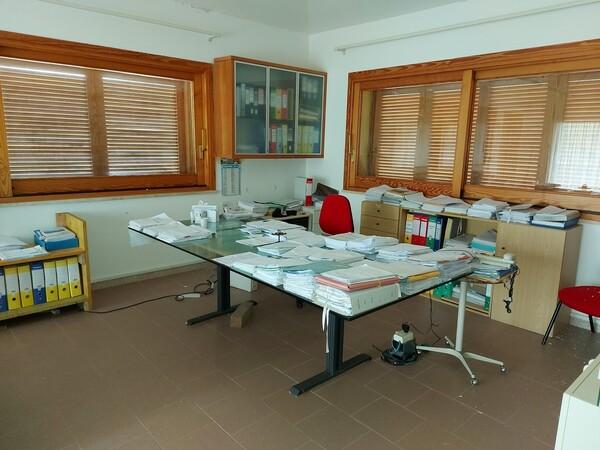 6#6219 Arredi e attrezzature da ufficio in vendita - foto 2