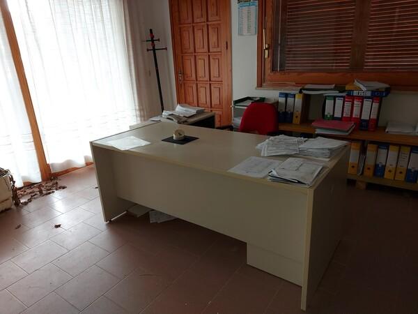 6#6219 Arredi e attrezzature da ufficio in vendita - foto 3