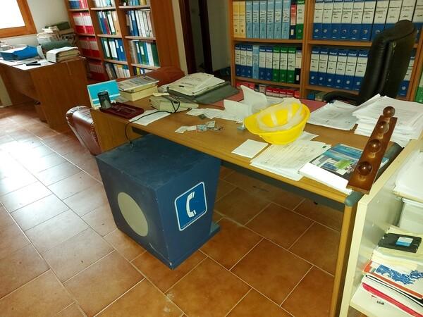 6#6219 Arredi e attrezzature da ufficio in vendita - foto 27