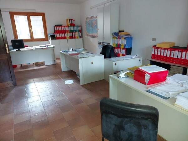 6#6219 Arredi e attrezzature da ufficio in vendita - foto 33