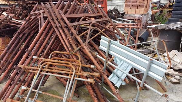 38#6222 Ponteggi e attrezzature edili in vendita - foto 4