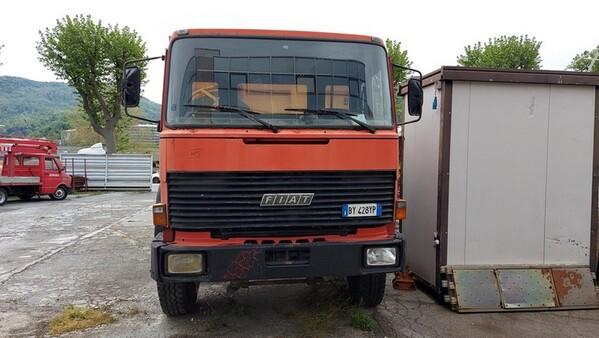 44#6222 Autocarro Fiat 330 in vendita - foto 2