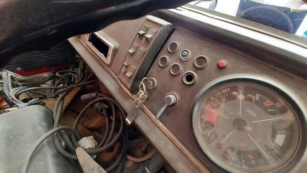 45#6222 Autocarro Fiat 130 in vendita - foto 12