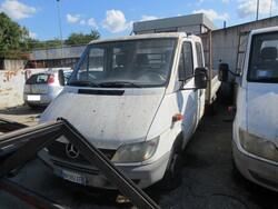Mercedes 413 CDI truck - Lot 12 (Auction 6230)