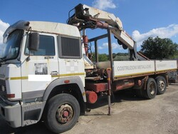 Iveco 190 36 truck  with crane - Lot 14 (Auction 6230)