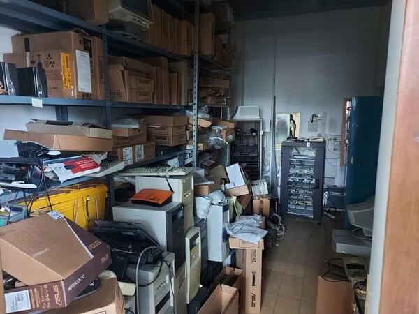 14#6252 Mobili e arredi ufficio in vendita - foto 106