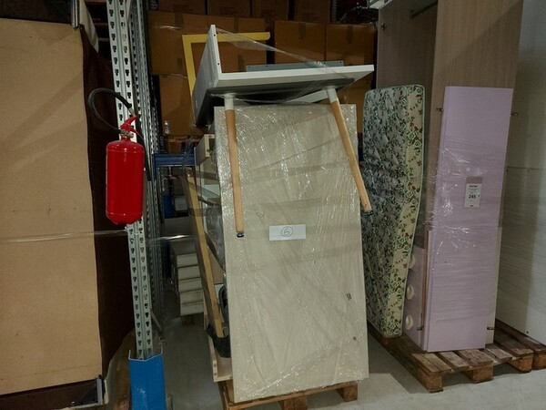 1#6256 Arredi e complementi d'arredo in vendita - foto 42