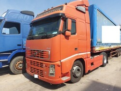 Volvo Truck tractor and Viberti semitrailer - Lot 6 (Auction 6269)
