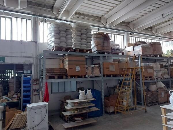 1#6283 Prodotti finiti in ceramica e scaffalature in vendita - foto 3