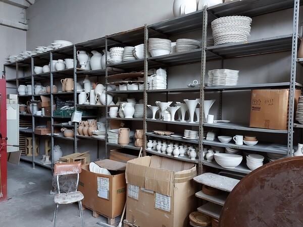 1#6283 Prodotti finiti in ceramica e scaffalature in vendita - foto 5