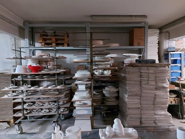1#6283 Prodotti finiti in ceramica e scaffalature in vendita - foto 6