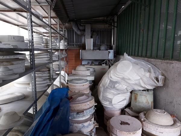 1#6283 Prodotti finiti in ceramica e scaffalature in vendita - foto 8