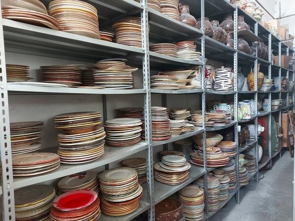 1#6283 Prodotti finiti in ceramica e scaffalature in vendita - foto 16
