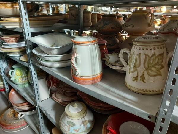 1#6283 Prodotti finiti in ceramica e scaffalature in vendita - foto 24