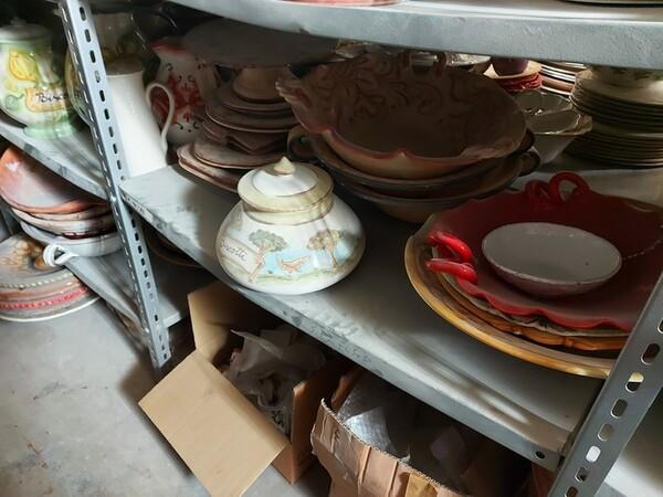 1#6283 Prodotti finiti in ceramica e scaffalature in vendita - foto 25