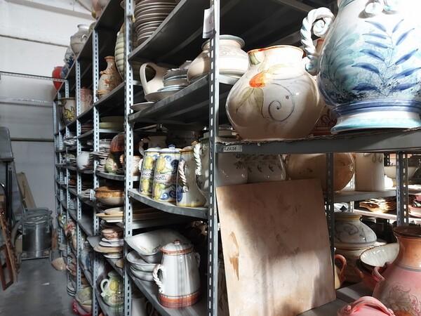 1#6283 Prodotti finiti in ceramica e scaffalature in vendita - foto 28
