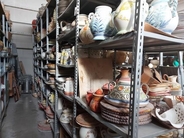 1#6283 Prodotti finiti in ceramica e scaffalature in vendita - foto 29