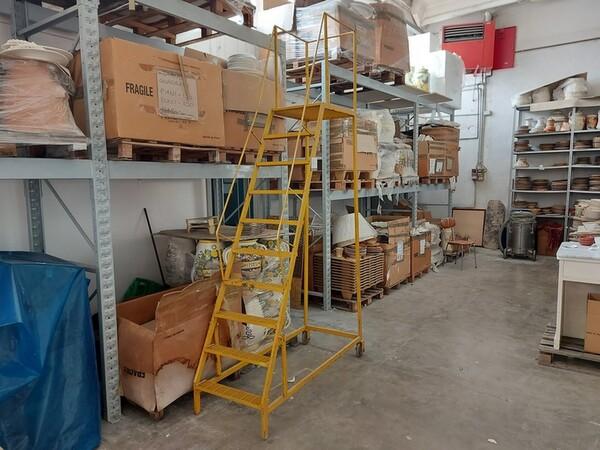 1#6283 Prodotti finiti in ceramica e scaffalature in vendita - foto 40