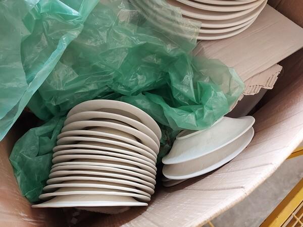 1#6283 Prodotti finiti in ceramica e scaffalature in vendita - foto 50