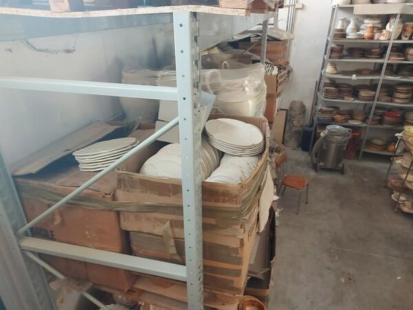 1#6283 Prodotti finiti in ceramica e scaffalature in vendita - foto 55