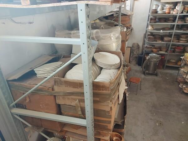 1#6283 Prodotti finiti in ceramica e scaffalature in vendita - foto 56