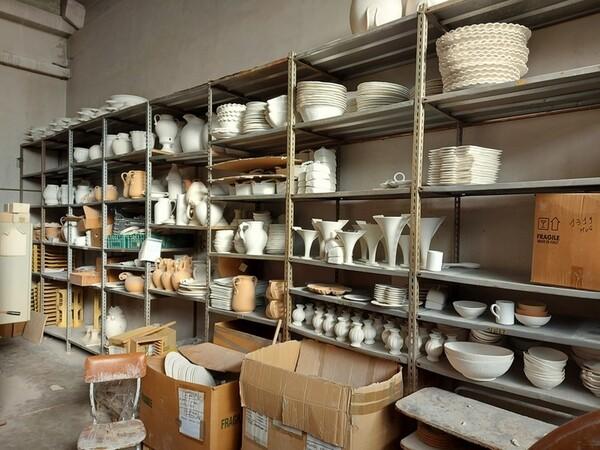 1#6283 Prodotti finiti in ceramica e scaffalature in vendita - foto 67