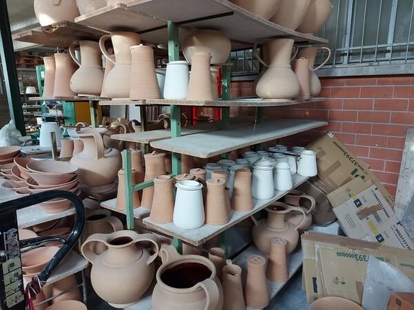 1#6283 Prodotti finiti in ceramica e scaffalature in vendita - foto 70